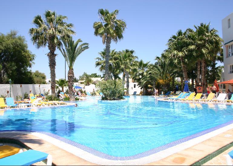 Hotel Nesrine 4*
