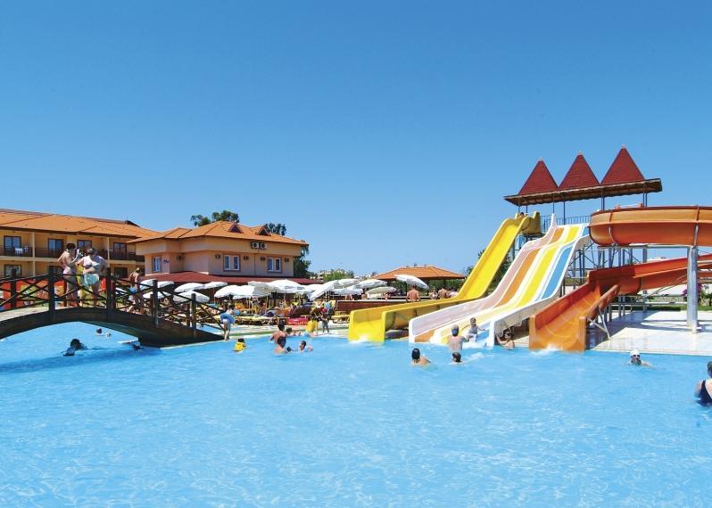 T�r�korsz�g, Alanya: Eftalia Village Hotel 5*, all inclusive (ak�r nagycsal�doknak kiv�l�!)