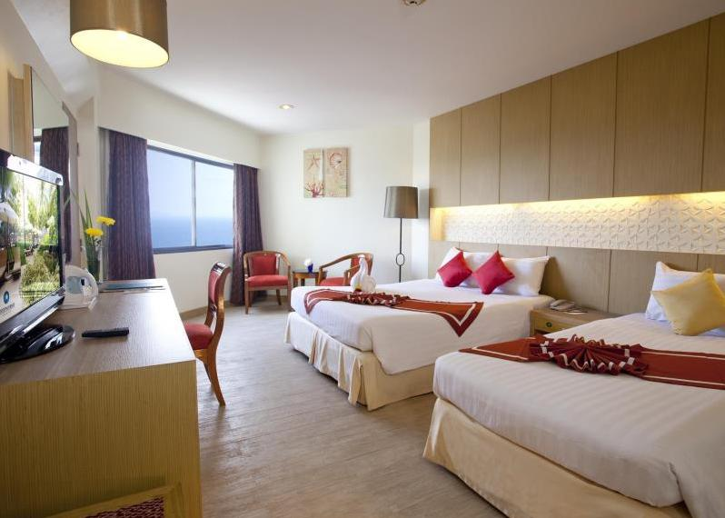 Hotel Jomtien Palm Beach 4*