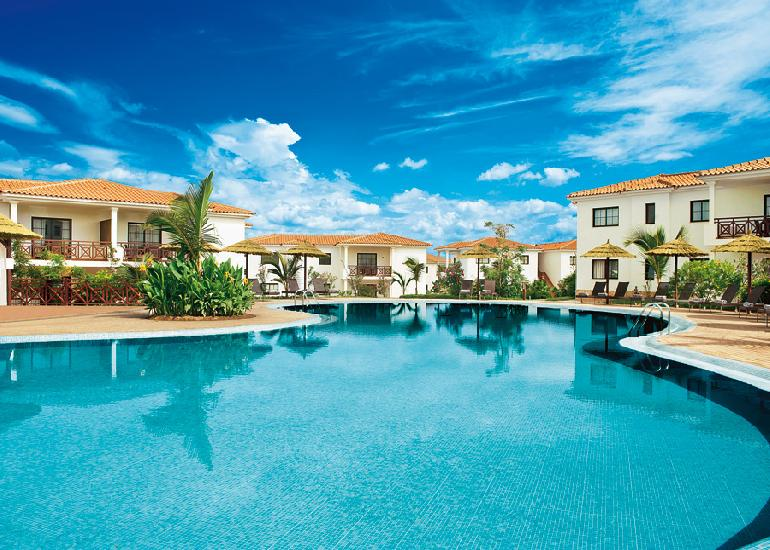 Melia Tortuga Beach Resort & Spa 4*+