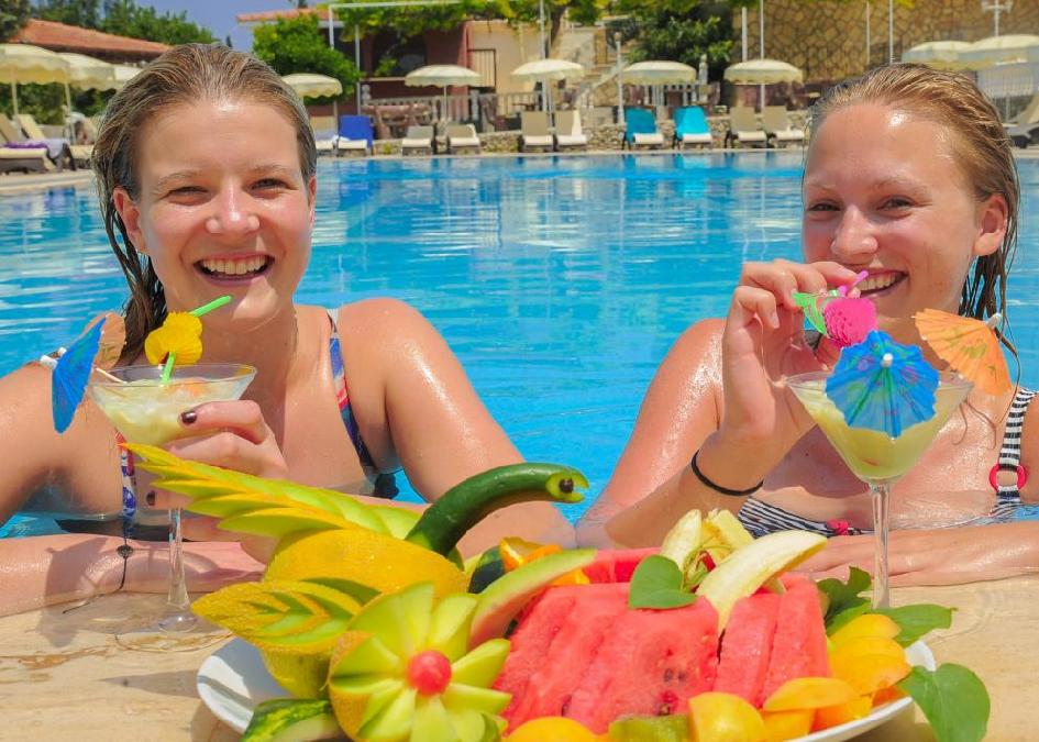 Riverside Garden Resort 4*