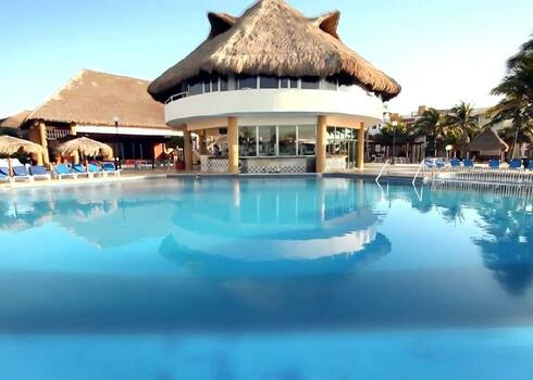 Mexik�, Playacar: Viva Wyndham Maya 4*, all inclusive