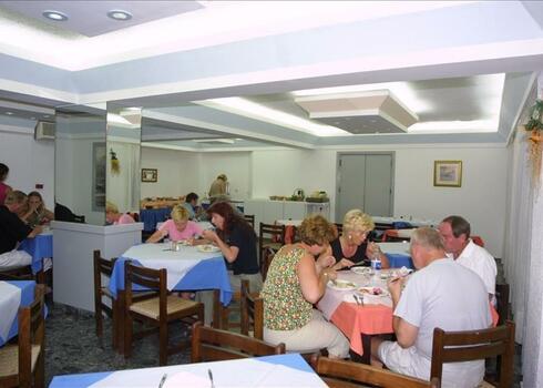 Kr�ta, Hersonissos: Hotel Iro 2*