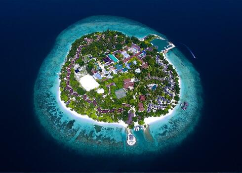 SZUPER AKCI�!!! Mald�v-szigetek: Bandos Island 4*+, f�lpanzi�s ell�t�ssal!