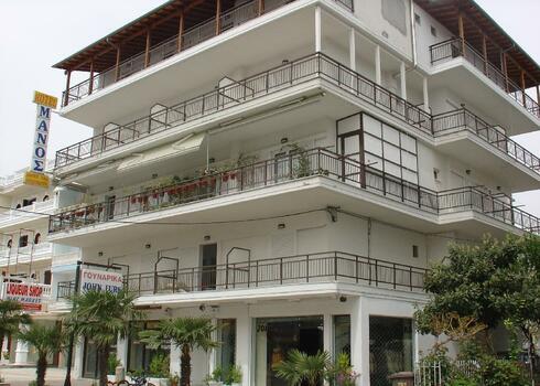 G�r�g sz�razf�ld, Paralia: Manos Apartmanh�z, 2 f�s st�di�