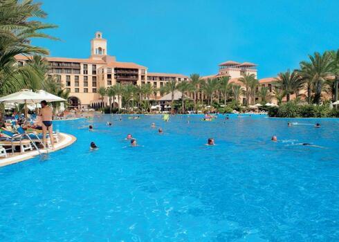 Gran Canaria, Meloneras: Lopesan Costa Meloneras Resort, Corralium Spa & Casino 4*+, b�csi indul�ssal