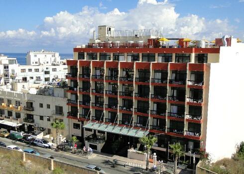 M�lta, Qawra: Canifor Hotel 3*+, f�lpanzi�val
