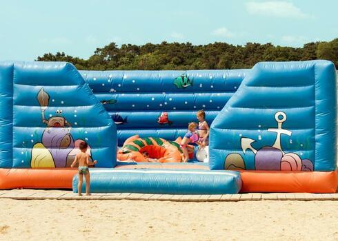 Bulg�ria, Aranyhomok: Klub O�zis Hotel Dolphin Marina 4*, all inclusive