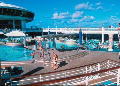 KAR�CSONYI D�L-KARIB HAJ��T - 7 �jszak�s �nnepi haj��t: Adventure Of The Seas *