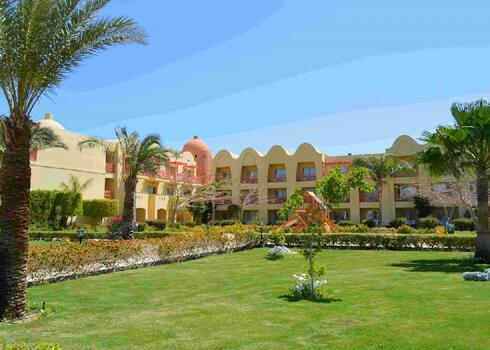 Egyiptom, Hurghada: Titanic Beach Spa & Aqua Park 5*, all inclusive