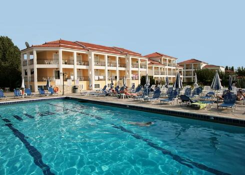 Zakintos, Laganas: Village Inn Hotel & Apartments, all inclusive, 2 f�s st�di�