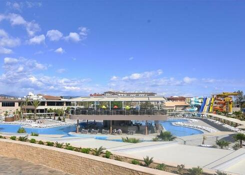 Vadonat�j luxushotel a T�r�k Rivi�r�n, Side: Sunmelia Beach Resort 5*, all inclusive (anim�ci�val)