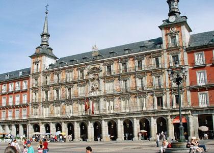 �nnepi hossz� h�tv�g�k Madridban! Kar�csony, szilveszter a spanyol f�v�rosban!