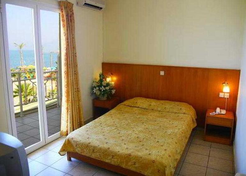 Hotel Eri Beach & Village 4*