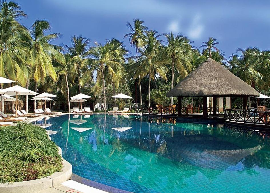 Bandos Island Resort & Spa 4*+