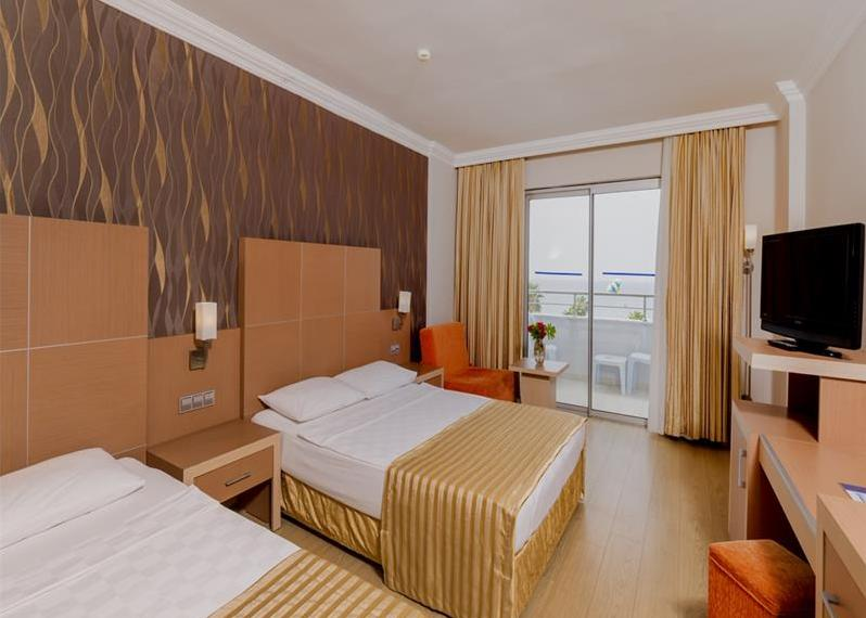 Holiday Garden Resort Hotel 5*