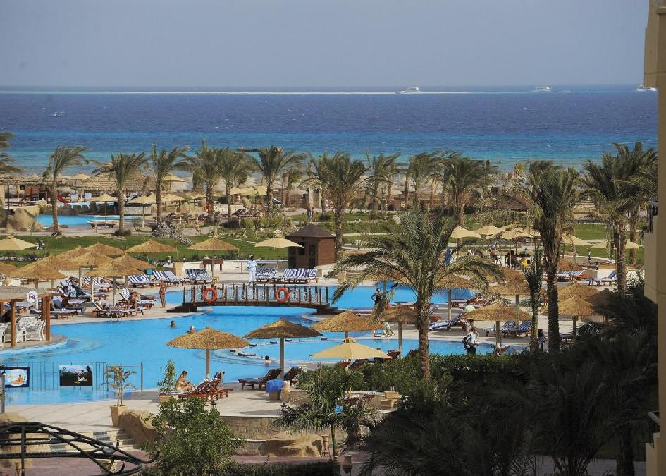 Amwaj Blue Beach Resort & Spa 5*