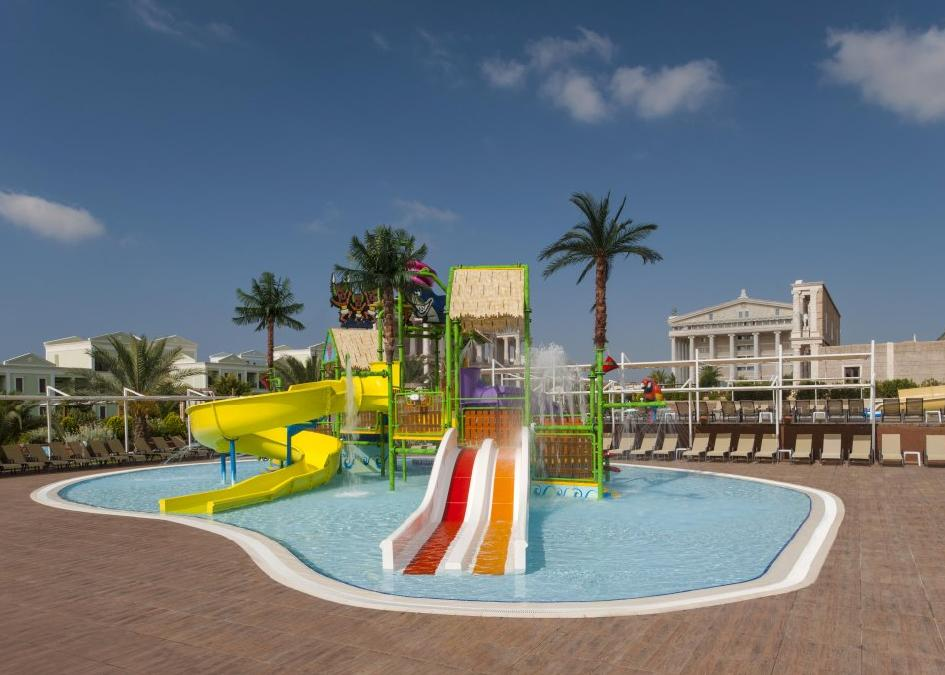 Kaya Artemis Beach Resort & Casino 5*