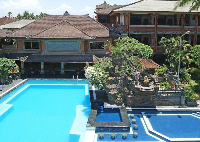 Wina Holiday Villa 3*