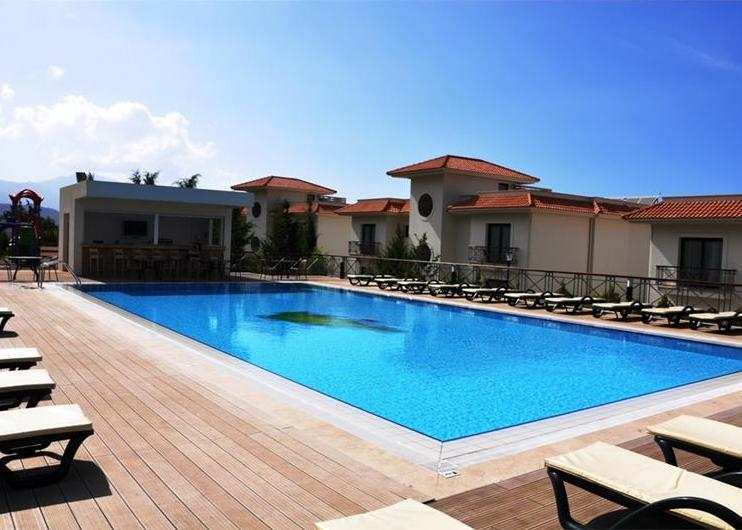 Korineum Golf & Beach Resort 5*