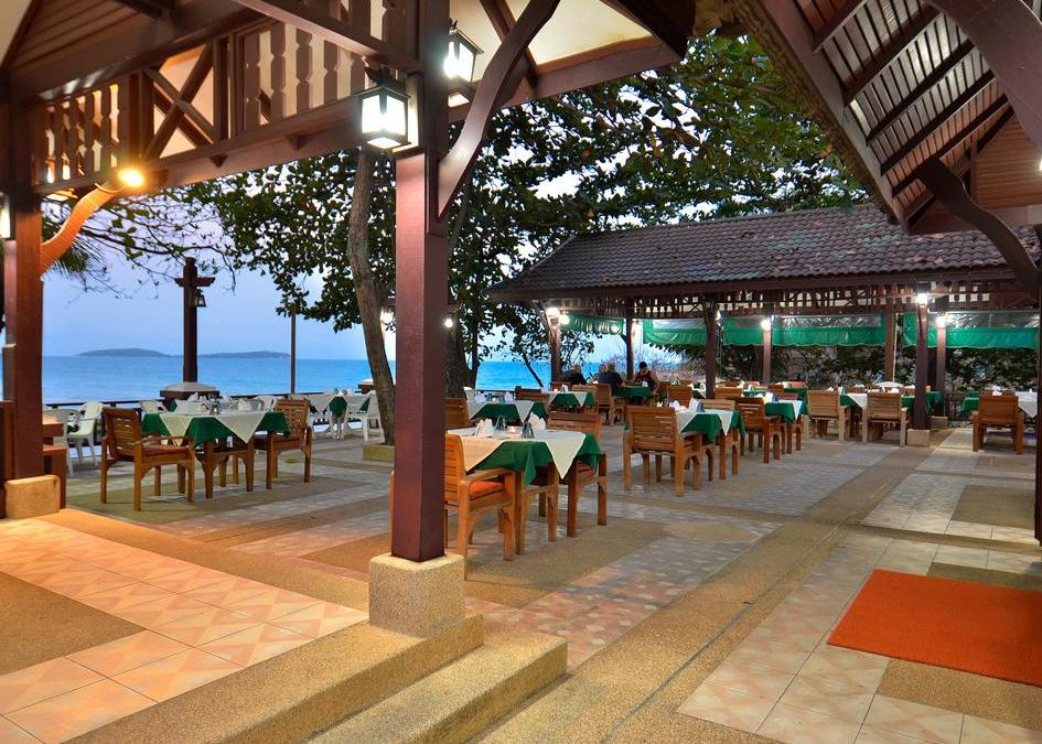 First Bungalow Beach Hotel 3*