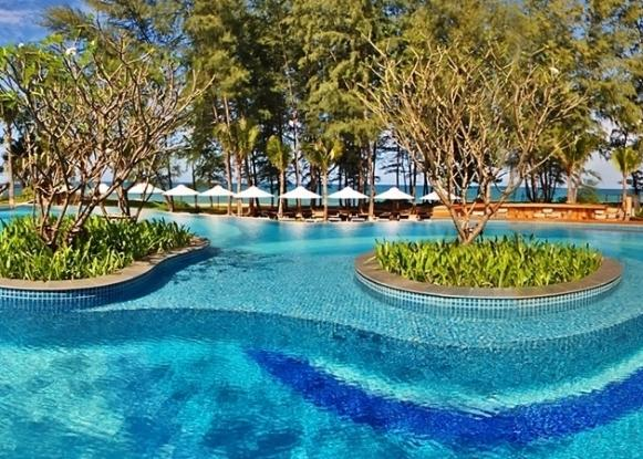 Holiday Inn Resort Phuket Mai Khao Beach 4*
