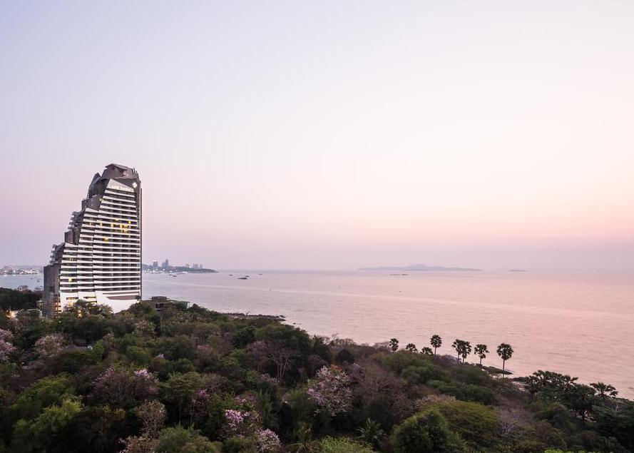 Pattaya: Cape Dara Resort 5*