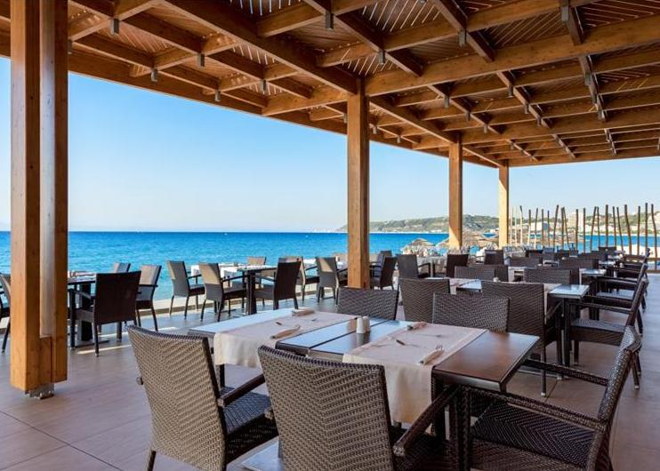 Rodosz, Ixia: Avra Beach Resort Hotel & Bungalows 4*, all inclusive