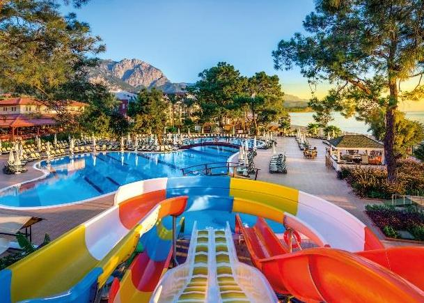 Crystal Aura Beach Resort & Spa 4*