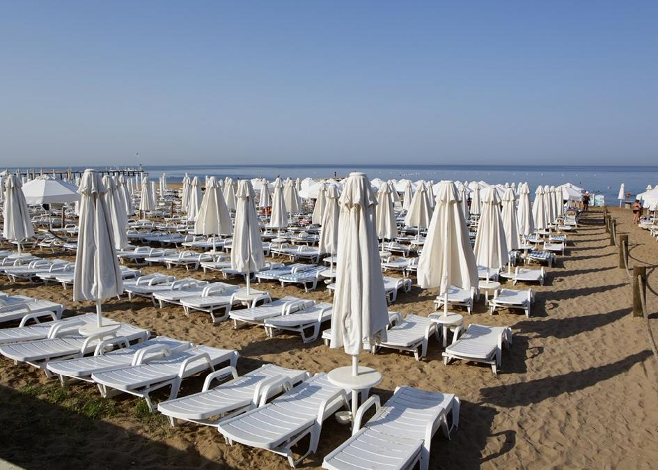 Larissa Beach Club 4*