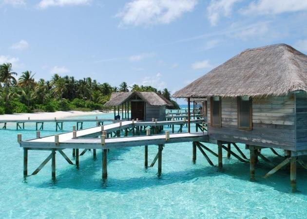 Hotel Holiday Island Resort 4*