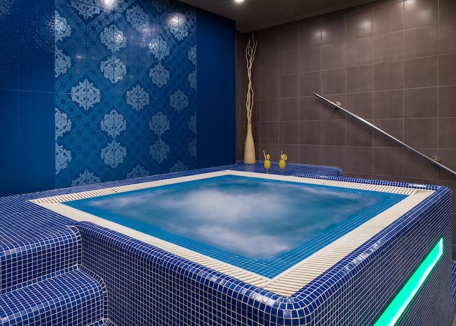 Golden Ball Club Wellness Hotel And Spa 4*