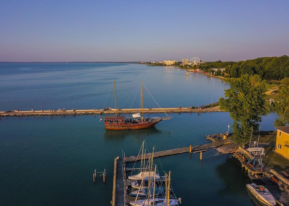 Siófok: Yacht Wellness & Business 4*