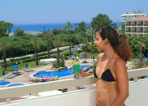 Ciprus, Ayia Napa: Hotel Nissiana 3*, all inclusive
