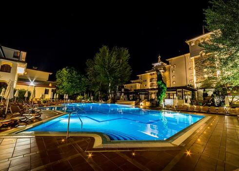 Bulgária, Napospart: Royal Palace Helena Park 5*, ultra all inclusive, 11-12 nap