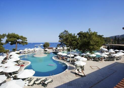 Törökország, Kemer: Crystal Aura Beach Resort & Spa Hotel 5*, all inclusive