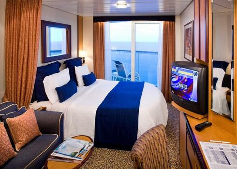 D�L-KARIB T�RS�G - 10 �jszak�s haj��t: Serenade Of The Seas *