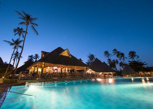 Zanzibár, Kiwengwa: Neptune Pwani Beach Resort & Spa 5*, all inclusive