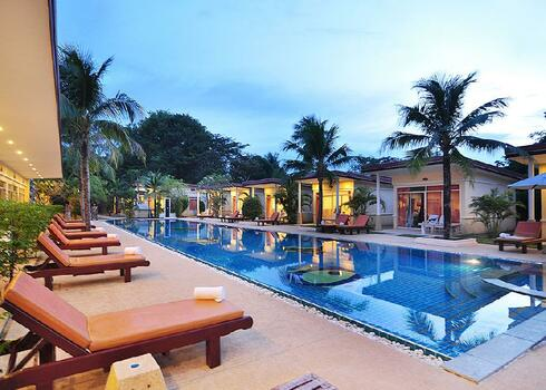 Thaiföld, Phuket: Phuket Sea Resort3*, reggelivel