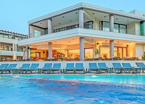 , Chania: Hotel Porto Platanias Beach Resort 5*