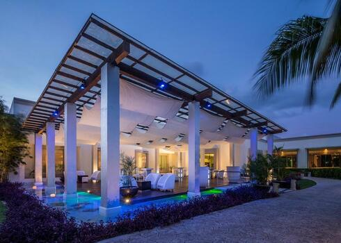 CSOPORTOS ÜDÜLÉS & KULTÚRA PROGRAM MEXIKÓBAN! Playa del Carmen: Bluebay Grand Esmeralda 5*, all inclusive