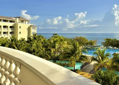 Jamaica, Montego Bay, Hotel Iberostar Rose Hall Beach 4* all inclusive ell�t�ssal, Budapestr�l rep�l�vel