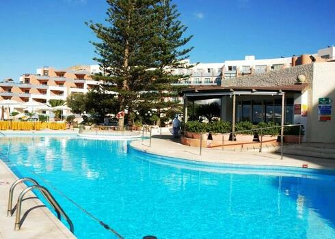 Málta, St. Paul`s Bay: The Dolmen Resort Hotel & Casino 4*, all inclusive