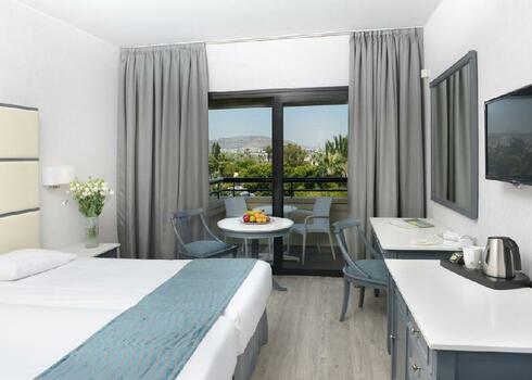 Ciprus, Larnaca: Palm Beach Hotel & Suite 4*