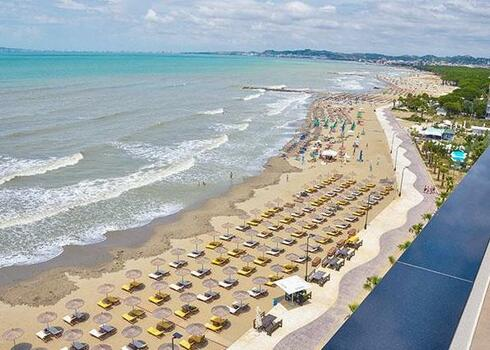 Albánia, Durres: Hotel Brilliant 5*, all inclusive
